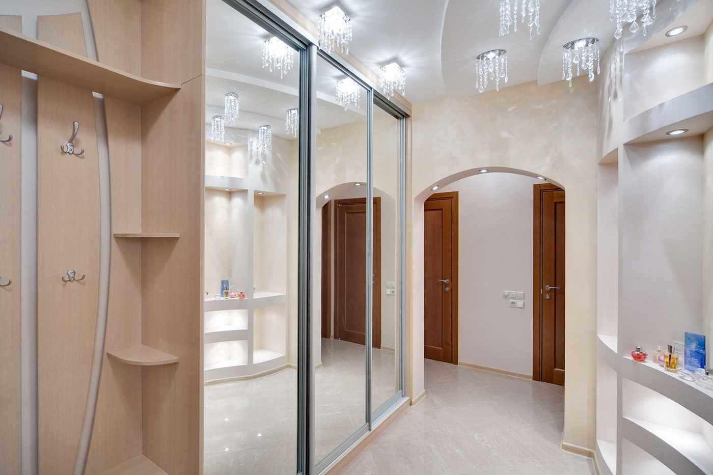 вариант красивого дизайна прихожей комнаты в частном доме