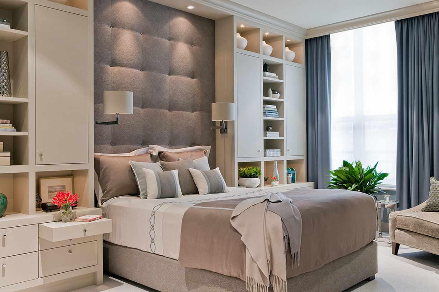 идея красивого интерьера спальной комнаты