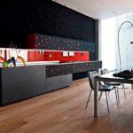 идея светлого стиля красной кухни картинка