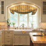оформление окна на кухне дизайн