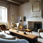 пример светлого стиля прованс в гостиной фото