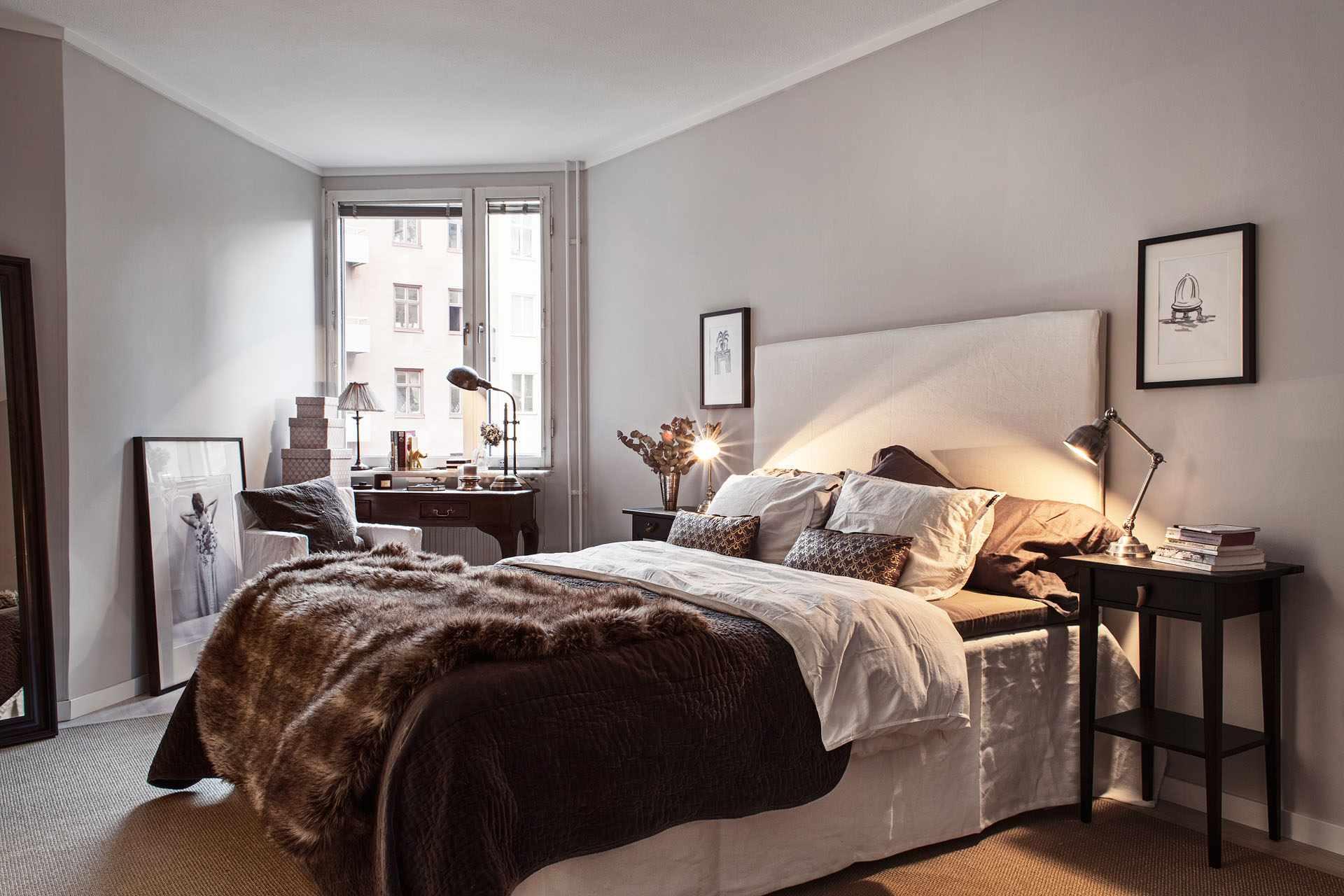 пример необычного дизайна спальной комнаты в хрущевке
