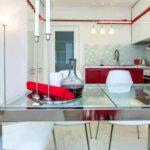 пример яркого декора красной кухни картинка