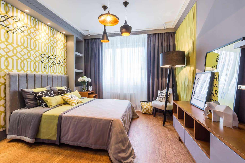 пример светлого стиля спальной комнаты 15 кв.м