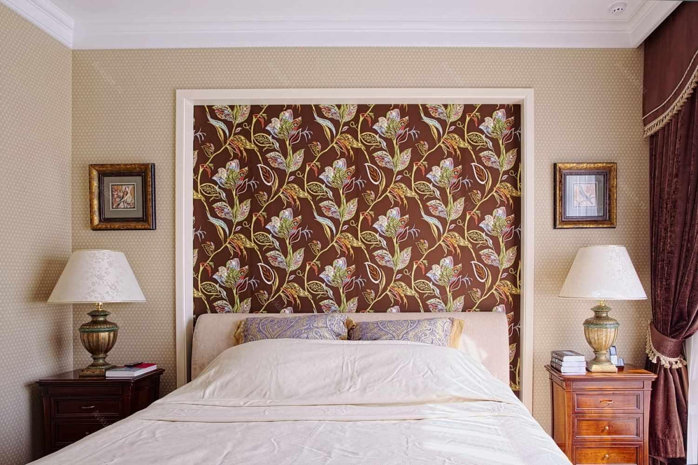 интерьер спальни обои фото в картинках выглядит гармонично
