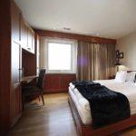пример необычного стиля спальни картинка
