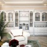 идея светлого стиля прованс в гостиной комнате фото