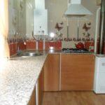 идея светлого дизайна кухни с газовым котлом картинка