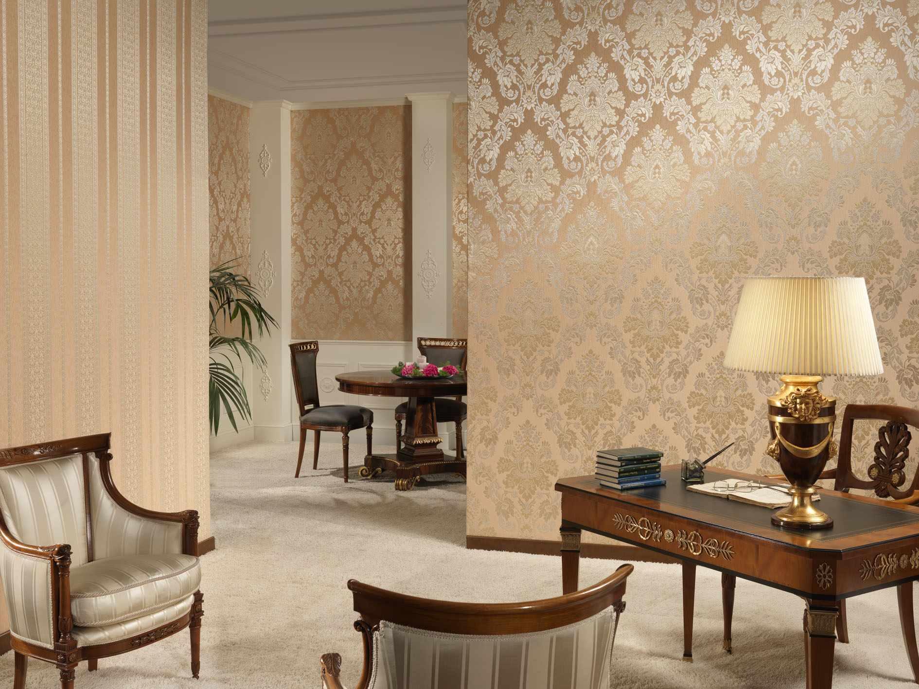 идея красивого декора обоев для гостиной