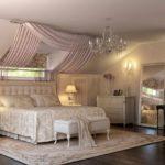 пример яркого декора спальни в мансарде картинка