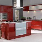 вариант красивого декора красной кухни картинка