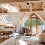 пример светлого стиля спальной комнаты в мансарде фото