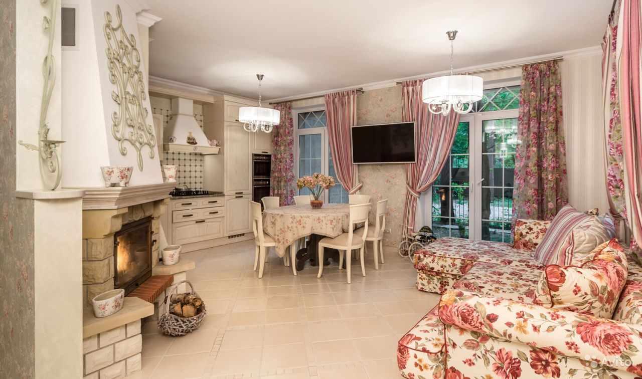 идея яркого стиля прованс в гостиной