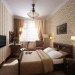пример яркого интерьера спальни в хрущевке картинка