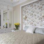 идея светлого декора спальной комнаты в хрущевке фото