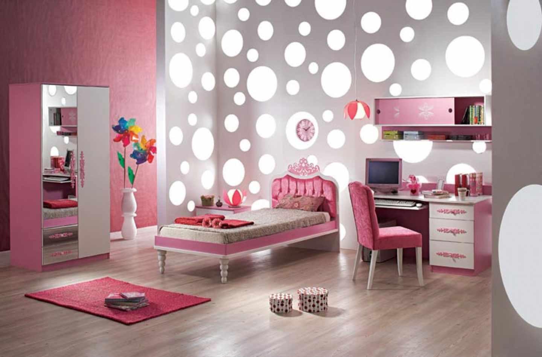 вариант светлого интерьера спальни для девочки
