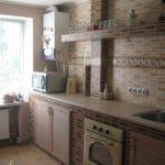 идея светлого декора кухни с газовым котлом фото