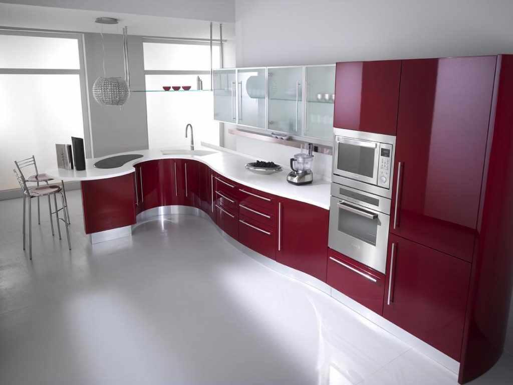 пример яркого интерьера красной кухни