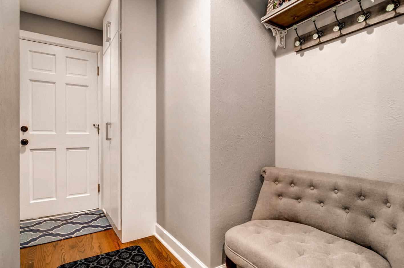 пример красивого интерьера коридора