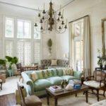 пример светлого дизайна прованс в гостиной фото