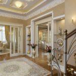 вариант яркого стиля прихожей комнаты в частном доме фото