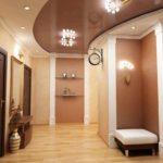 идея яркого стиля коридора фото