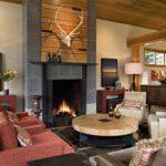 пример применения яркого интерьера гостиной комнаты с камином фото