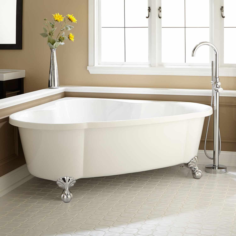 идея яркого стиля ванной комнаты с угловой ванной