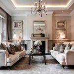 идея использования яркого интерьера гостиной комнаты с камином фото