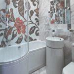 вариант светлого декора ванной комнаты с облицовкой плиткой фото