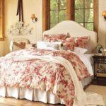 Спальне деревенского дома в стиле прованс