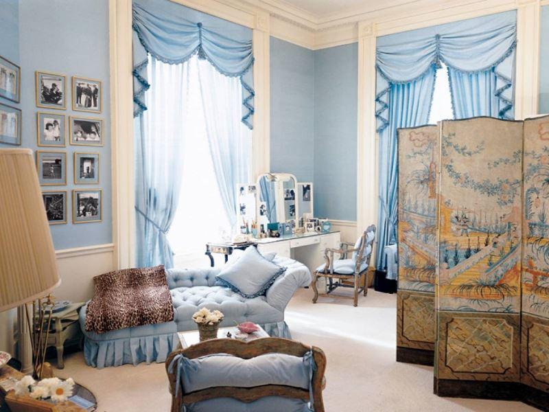 Комната современной девушки в голубых тонах