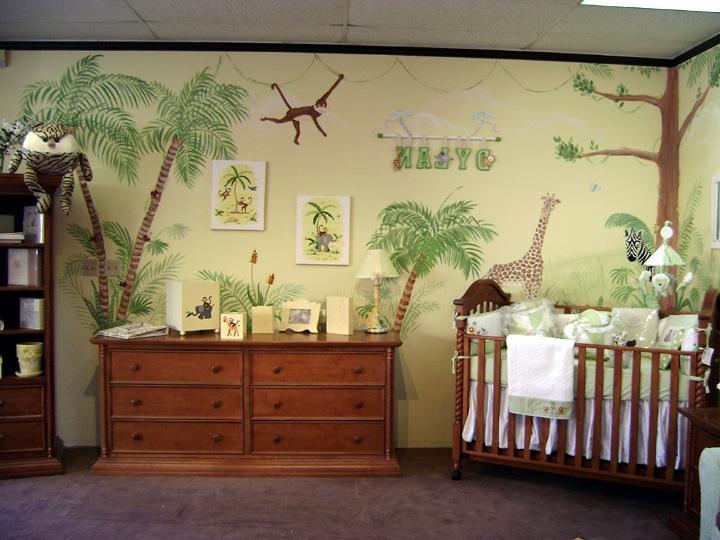 Африканские мотивы на обоях в комнате для новорожденного