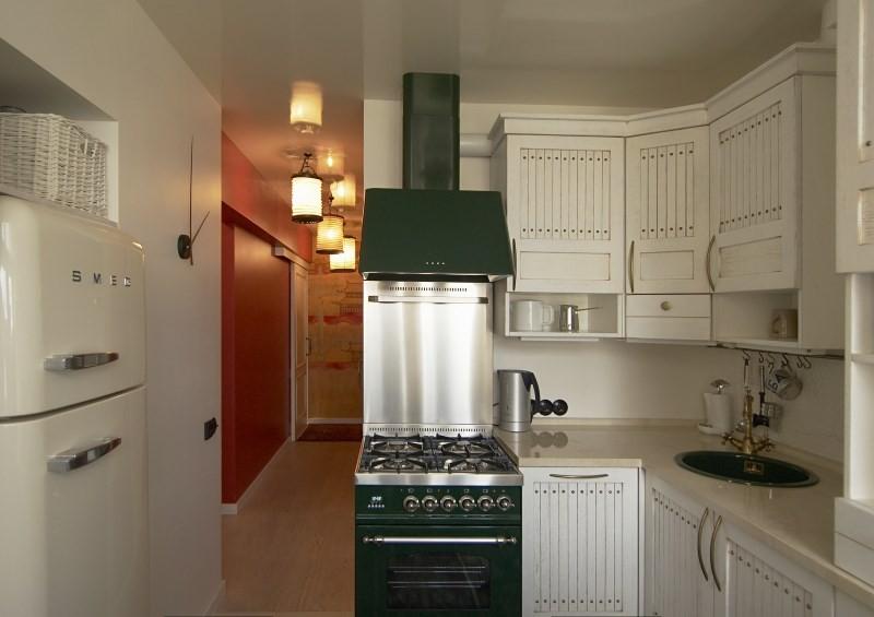 Оттенки черного в дизайне малогабаритной кухни