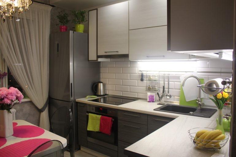 Подсветка рабочей зоны в угловой кухне