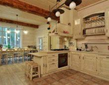Деревянная мебель в деревянном доме для эко стиля