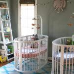 Две одинаковые кроватки для новорожденных