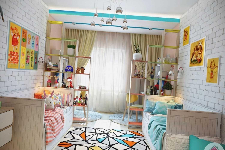 Шторой можно отделить как личное пространство каждого ребенка, так и какую-нибудь из зон, например, спальную или гардеробную.