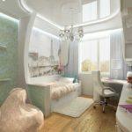 Зеркальный потолок белого цвета