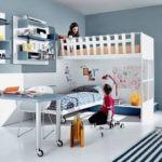 Мебель на колесах в комнате мальчика и девочки