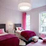 Малиновый цвет в детской спальне