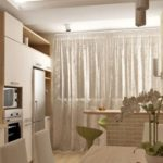 Дизайн кухни с балконом в нежных тонах