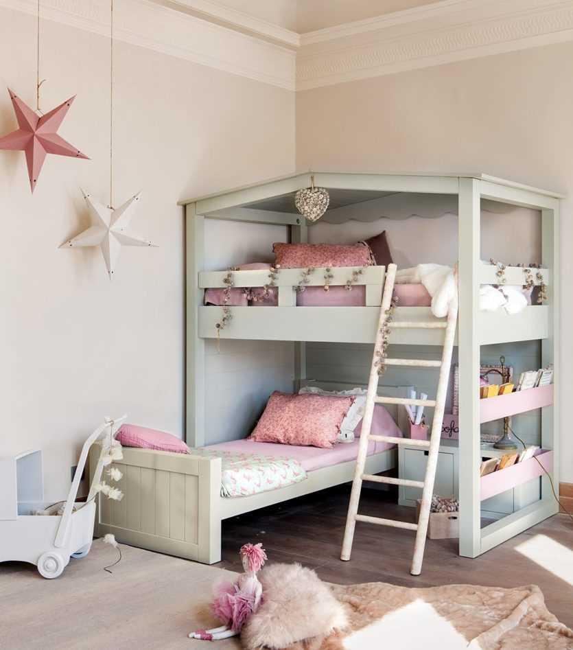 Детская кровать в два яруса