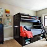 Детская кровать черного цвета