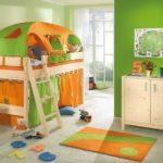 Оформление детской кровати в игровом стиле
