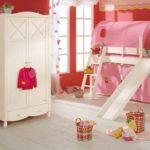 Белый шкаф для детской одежды
