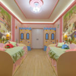 Яркий интерьер детской спальни