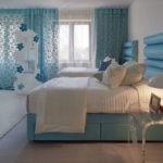 Бирюзовый интерьер уютной детской спальни