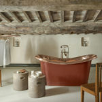 Индустриальный стиль в ванной частного дома