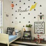 Серо-белый интерьер детской комнаты